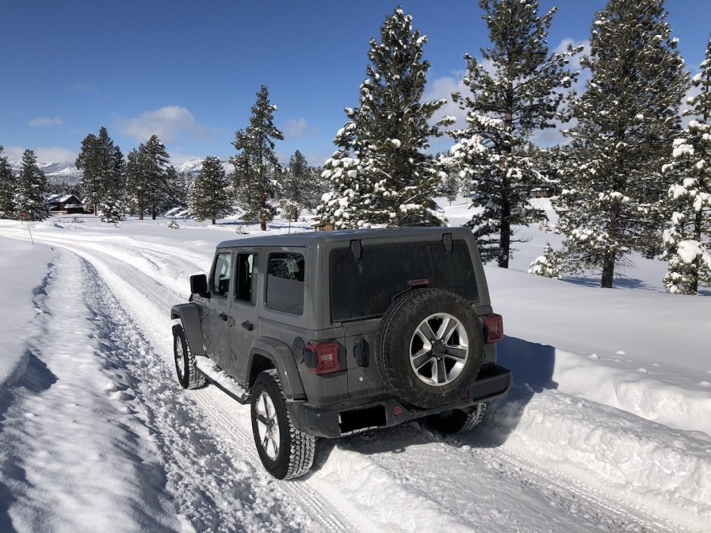 Cooltoys Jeep JL out for a snow test
